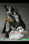 Kotobukiya - The Dark Knight Returns - Batman Hunt the Dark Knight PVC Statue