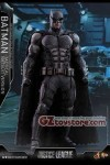 Hot Toys - Justice League - Batman (Tactical Suit Version) 1/6 Scale Figure